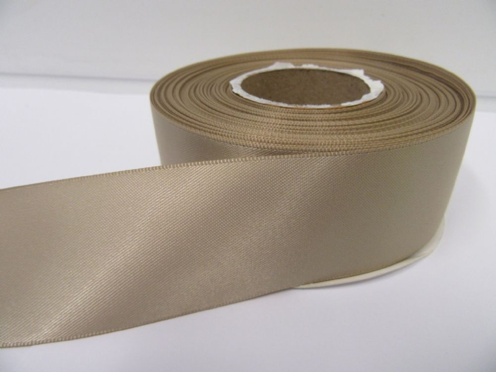 Light Gold Satin Ribbon 2 10 Or 25 Metres Double Sided 3mm